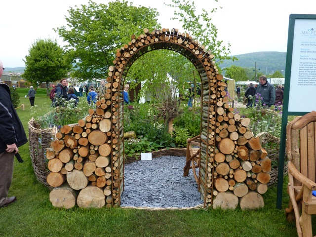 Landscaping With Wood Logs : The malvern show enduring gardener