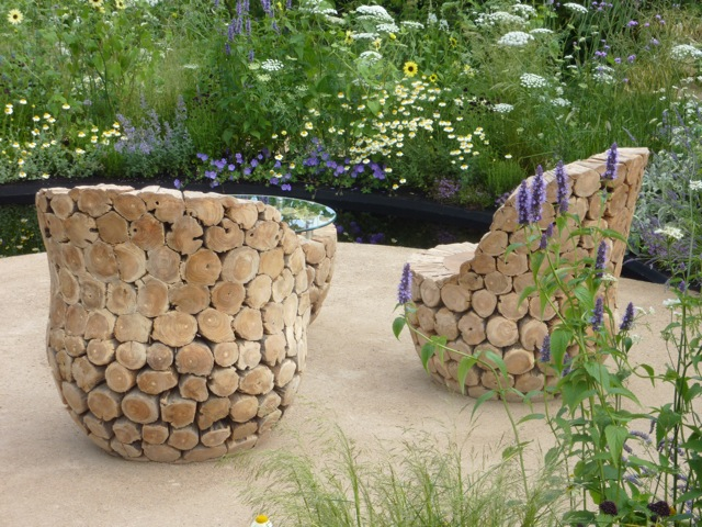 Striking log chairs