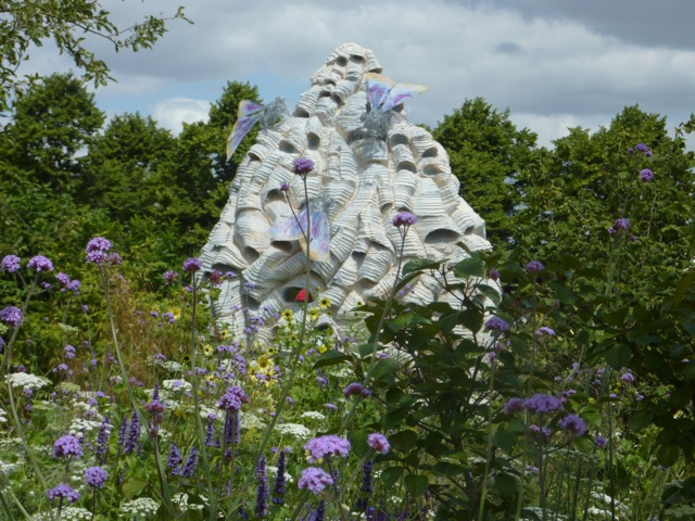 The beehive sculpture in the Copella Garden