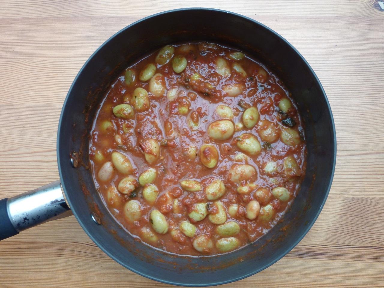 Borlotti beans in roasted tomato passata