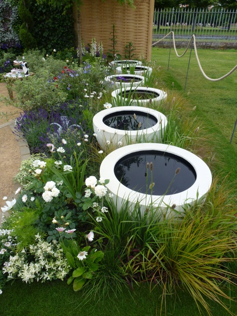 Hampton court flower show small gardens the enduring for Container pond