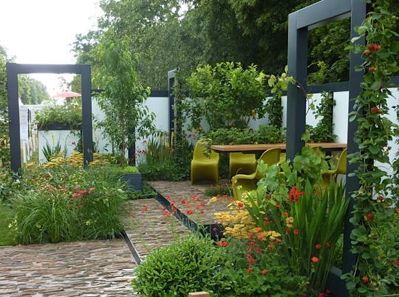 contemporary garden with cobbled steps