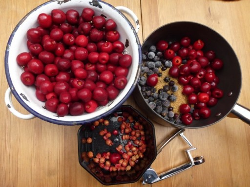ingedients required to make cherry compote