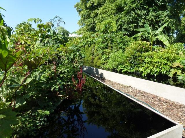 garden by Sophie Walker at Hampton Court Show 2013
