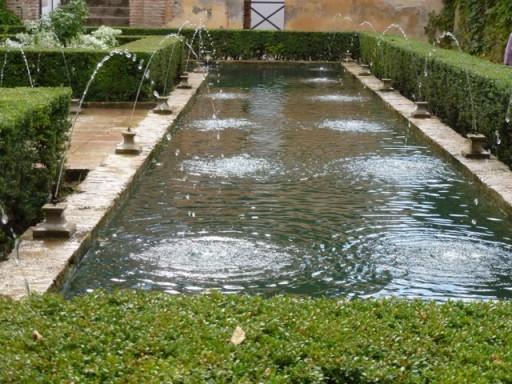Water jets in the generalife garden