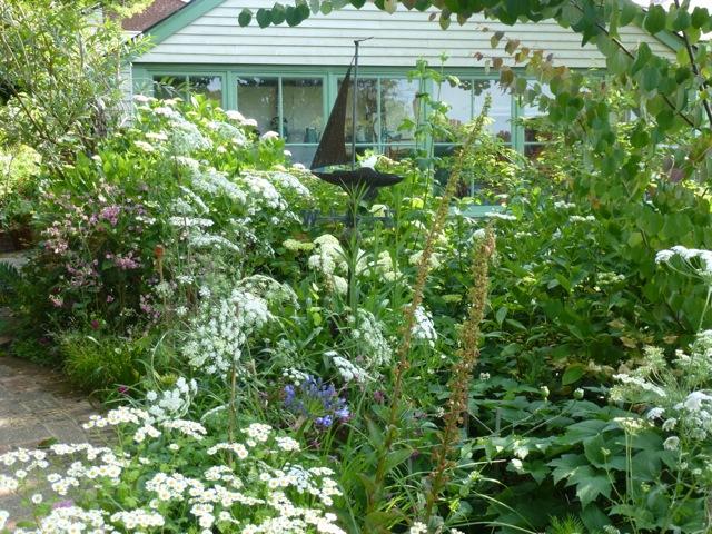 white planting scheme