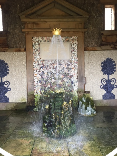 Splashing crown water feature at Arundel
