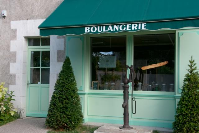 boulangerie with yew topiary