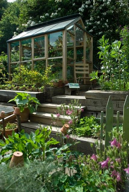 Updating the garden the enduring gardener for Garden sectioning ideas